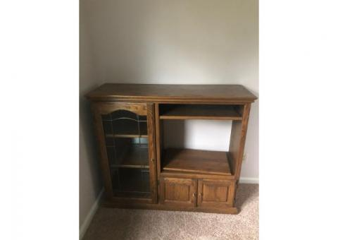 Amish made Oak cabinet with stained glass door