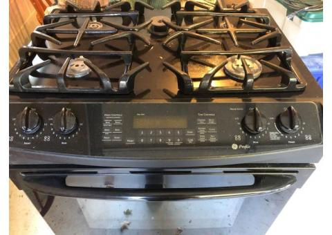 GE gas range with convection oven